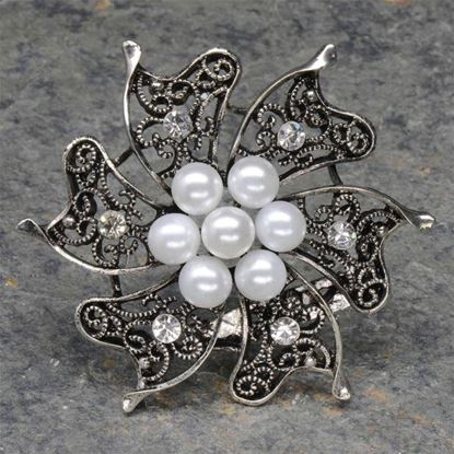 Picture of Vintage Silver Brooch with Pearls & Diamante